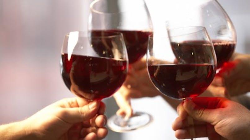 Du vin rouge contre les caries et les gingivites