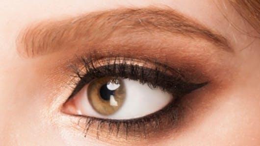 Pour un effet bonne mine, allégez le make-up!
