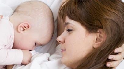 Pour ou contre l'allaitement: trois mamans témoignent