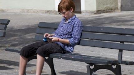 Les préados trop exposés aux SMS érotiques