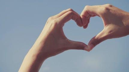 Croire au grand amour ne fait pas durer le couple