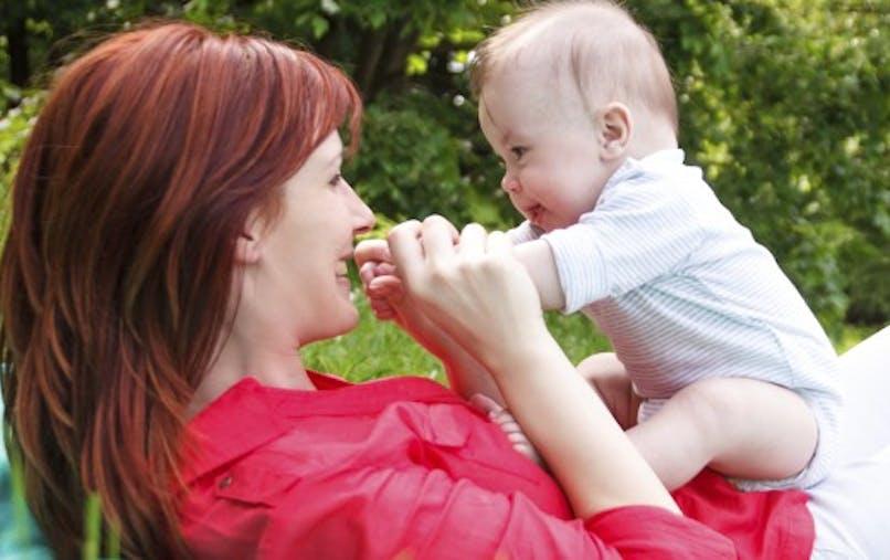 Eveil de 0 à 6 mois: les premières fois de votre bébé