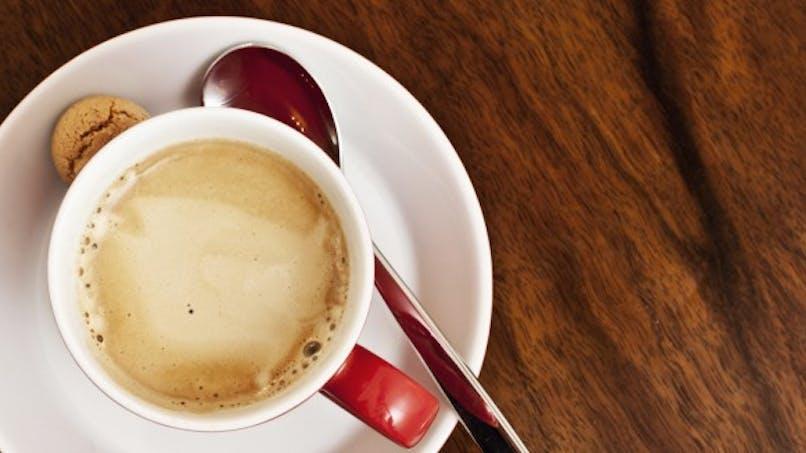 Le café pourrait protéger des acouphènes