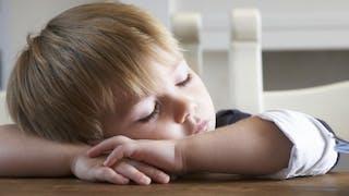 Petit déjeuner: comment faire manger son enfant le matin