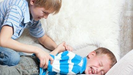 Enfant violent: comment réagir