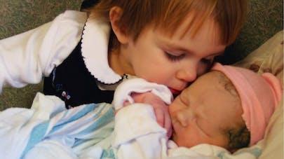 Quand un enfant découvre son petit frère ou sa petite sœur