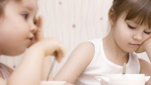 Mon enfant trie ses aliments, que faire?