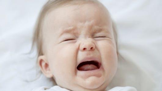 Mon bébé pleure, comment réagir?