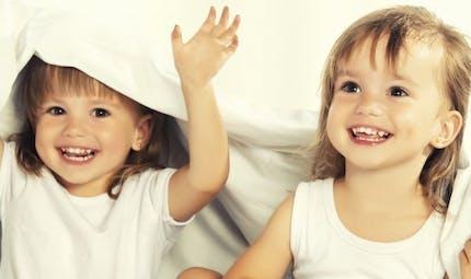 Jumeaux: faites-en des enfants uniques