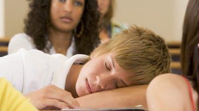 Il manque de motivation à l'école : comment réagir?
