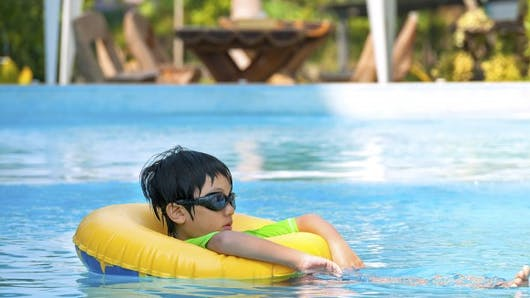 Piscine: quelles précautions prendre pour votre enfant?