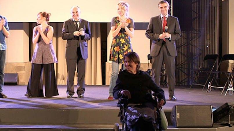 La sclérose en plaque se met en scène au théâtre