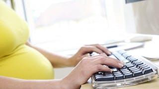 Comment bien concilier travail et grossesse?