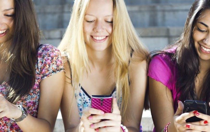 Envoyer des textos, c'est mauvais pour le dos