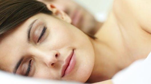 Homéo, huiles essentielles... les solutions naturelles pour bien s'endormir