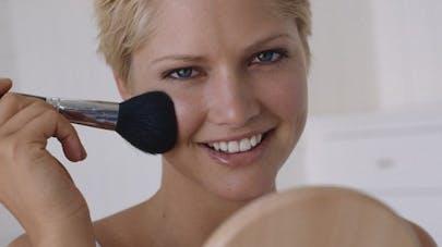 Comment se maquiller sans risques