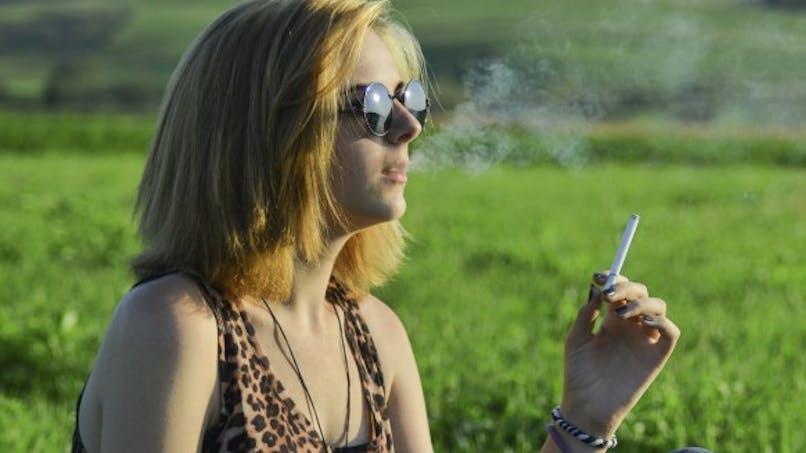 Il sera bientôt interdit de fumer dans les aires de jeux