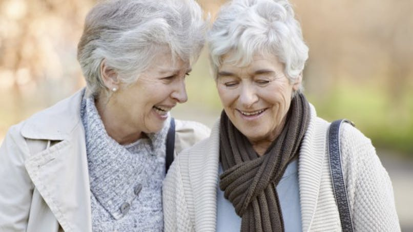 Pourquoi les femmes vivent-elles plus longtemps que les hommes?