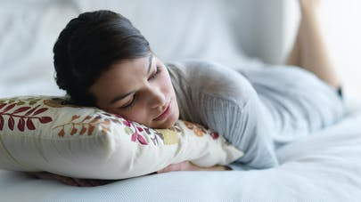 Plantes, somnifères, oligoéléments, homéopathie… Pour en finir avec l'insomnie