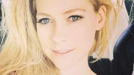 Maladie de Lyme: la chanteuse Avril Lavigne raconte son calvaire