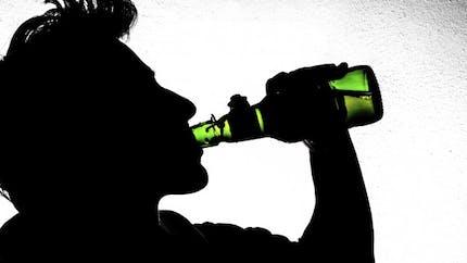 Alcool: 100000 personnes prennent du baclofène