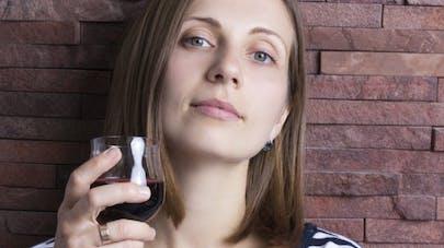 Un lien entre yeux bleus et dépendance  à l'alcool, vraiment?