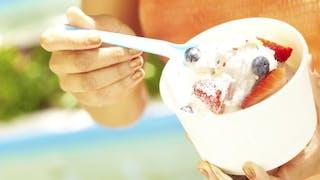Le frozen yogurt est-il vraiment moins calorique que la crème glacée?