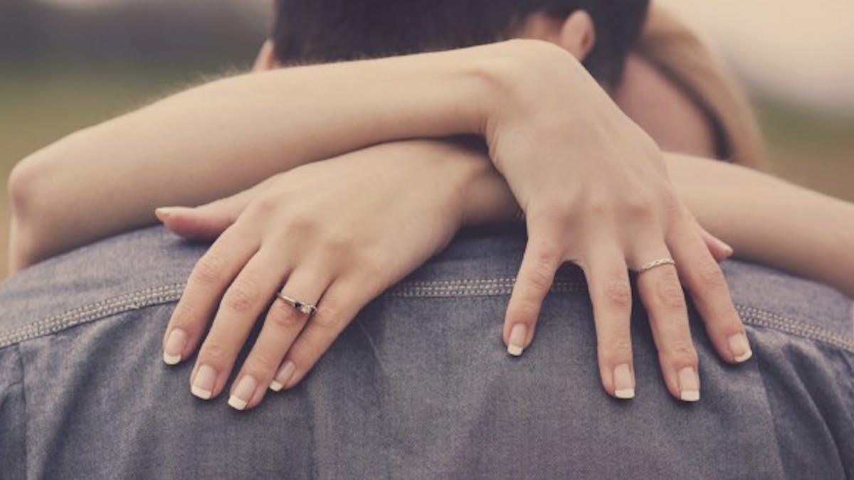 L'âge idéal pour se marier et éviter le divorce est…