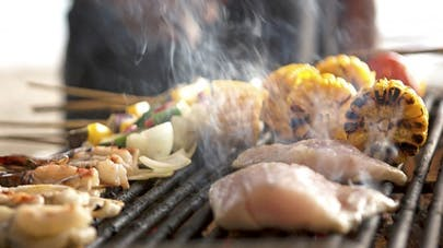 Barbecue : 4 réflexes à adopter pour manger sainement