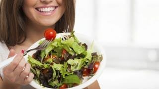 Salades: 5 recettes équilibrées et pas chères