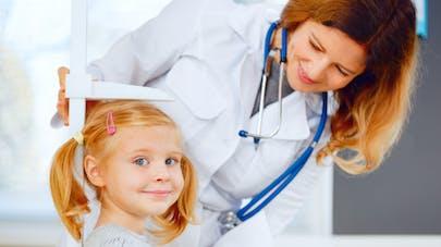 Check-up de rentrée chez l'enfant: quel dépistage et à quel âge?