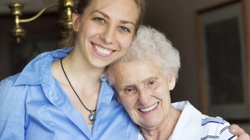 Alzheimer: des malades témoignent de leurs difficultés quotidiennes
