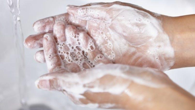 Les savons antibactériens pas plus efficaces contre les microbes que les savons classiques