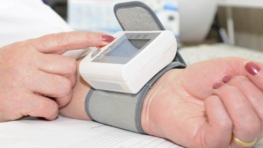 Hypertension: trois tensiomètres pour mesurer soi-même sa tension