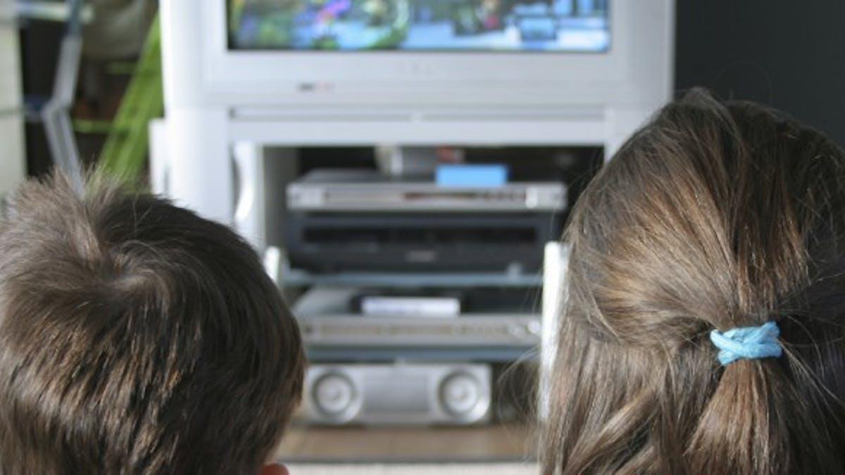 Les télévisions à écran plat, un danger potentiel pour les enfants