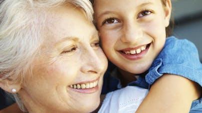 Asthme: un risque accru chez les bébés ayant une grand-mère fumeuse