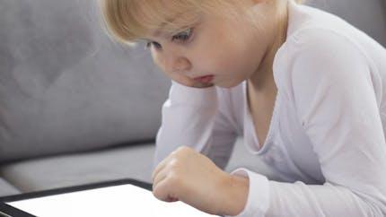 Enfants et écrans: les pédiatres américains actualisent leurs recommandations