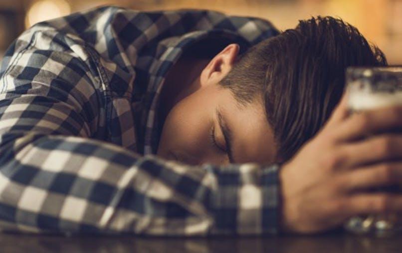 Pourquoi l'alcool provoque-t-il des troubles de l'érection?