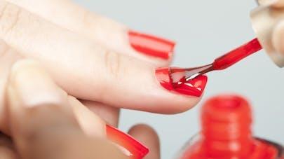 Beauté: les erreurs à ne pas commettre avec son vernis à ongles