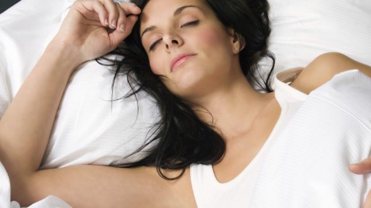 3 solutions pour lutter contre le reflux gastrique du sommeil
