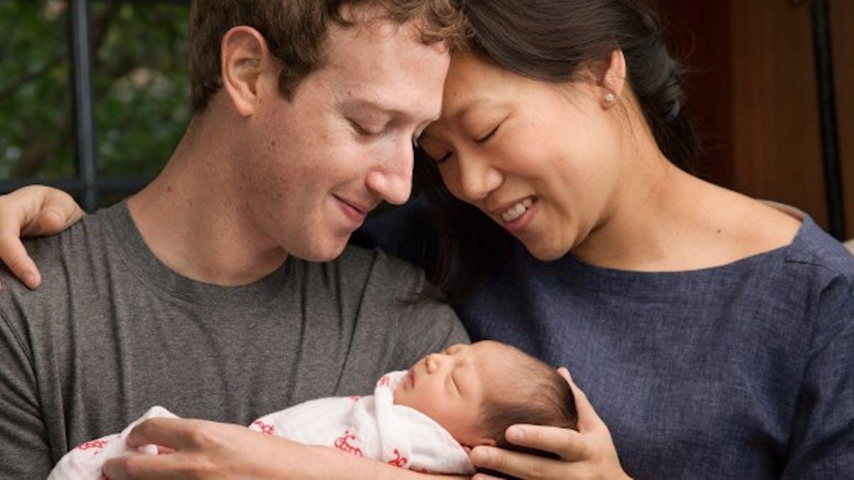Exposer son bébé sur Facebook: bonne ou mauvaise idée?