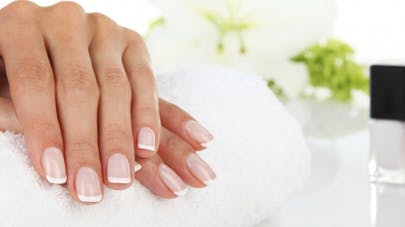 Dix astuces nutrition pour fortifier ses ongles