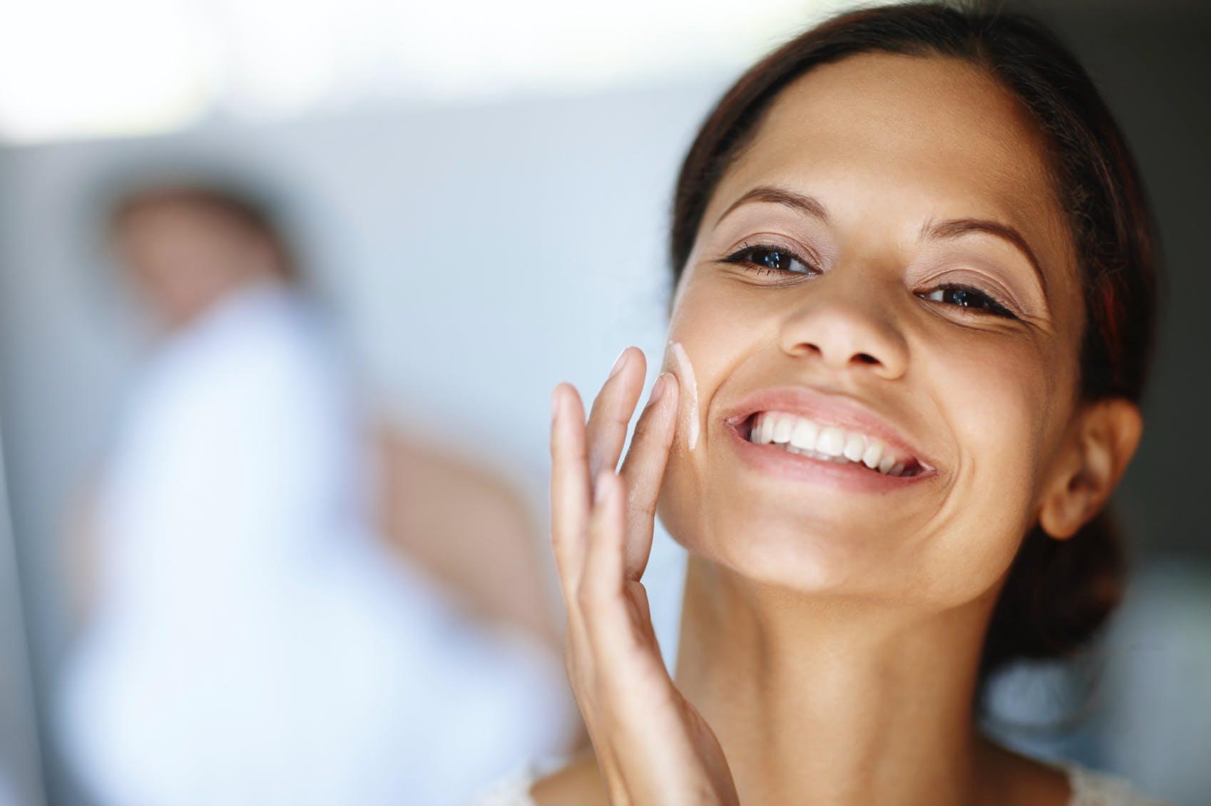 Anti-âge : les 6 soins et gestes à connaître | Santé Magazine