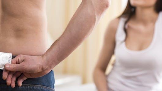 Sexe: 6 erreurs à ne pas commettre avec le préservatif
