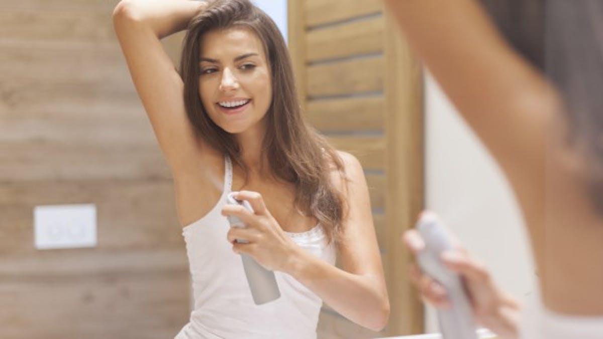 Déodorant: 4 alternatives naturelles aux bombes aérosol