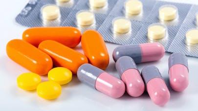 Huit médicaments pour soigner une gastro | Santé Magazine
