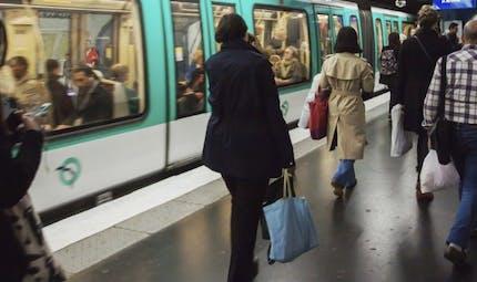 Les Franciliens marchent plus que les autres Français grâce aux transports en commun