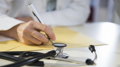 Assurances, emprunts: un droit à l'oubli pour cinq cancers et l'hépatite C