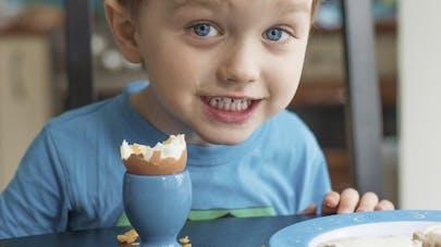 Un petit déjeuner protéiné prévient l'obésité infantile