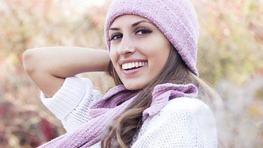 Peeling, LED, lumière pulsée… Comment donner un coup d'éclat à sa peau en hiver